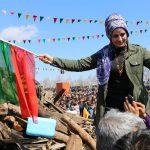 Newroz fête de la résistance kurde : des centaines de milliers de personnes à Diyarbakir